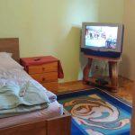 Pokój 3 z telewizorem - Ośrodek Leczenia Uzależnień Arka w Wiśle